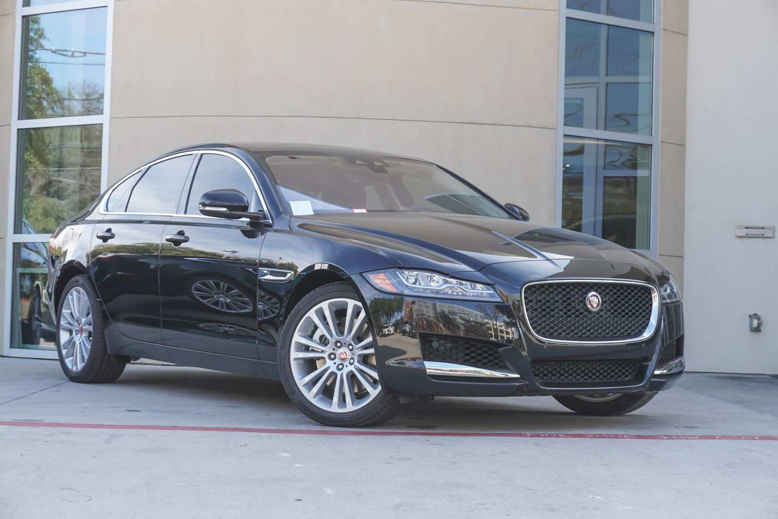 77 New 2019 Jaguar XF Configurations