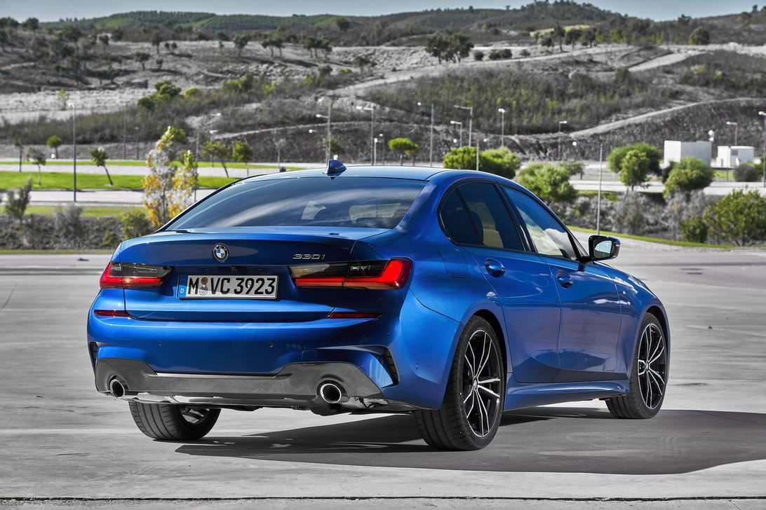 77 The 2019 BMW 3 Series Picture