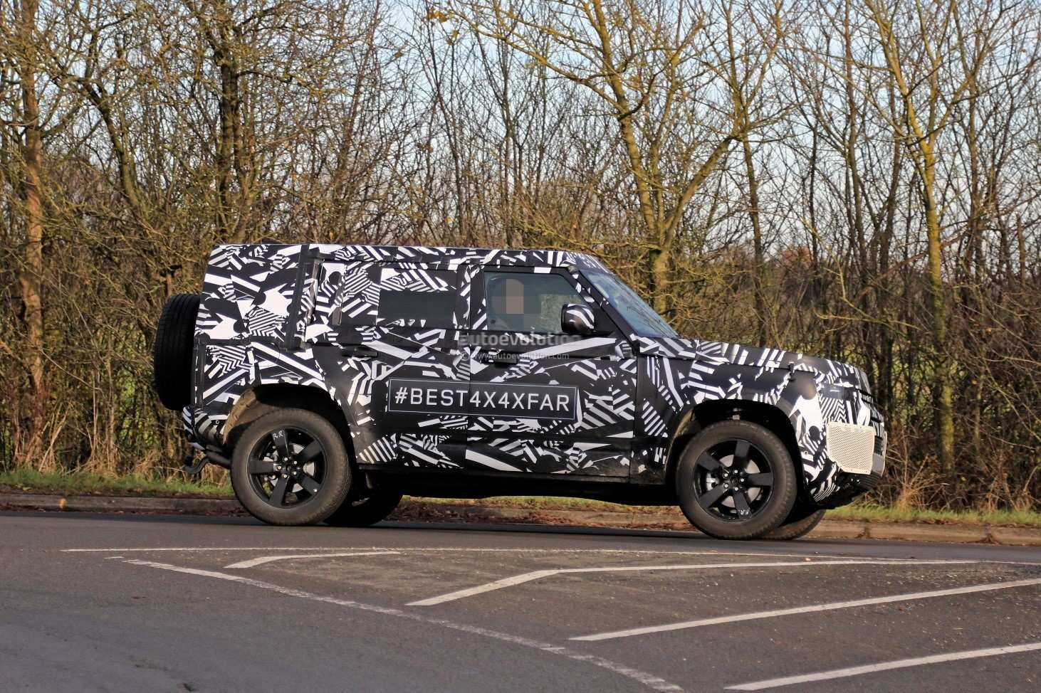 77 The 2020 Land Rover Defender New Concept