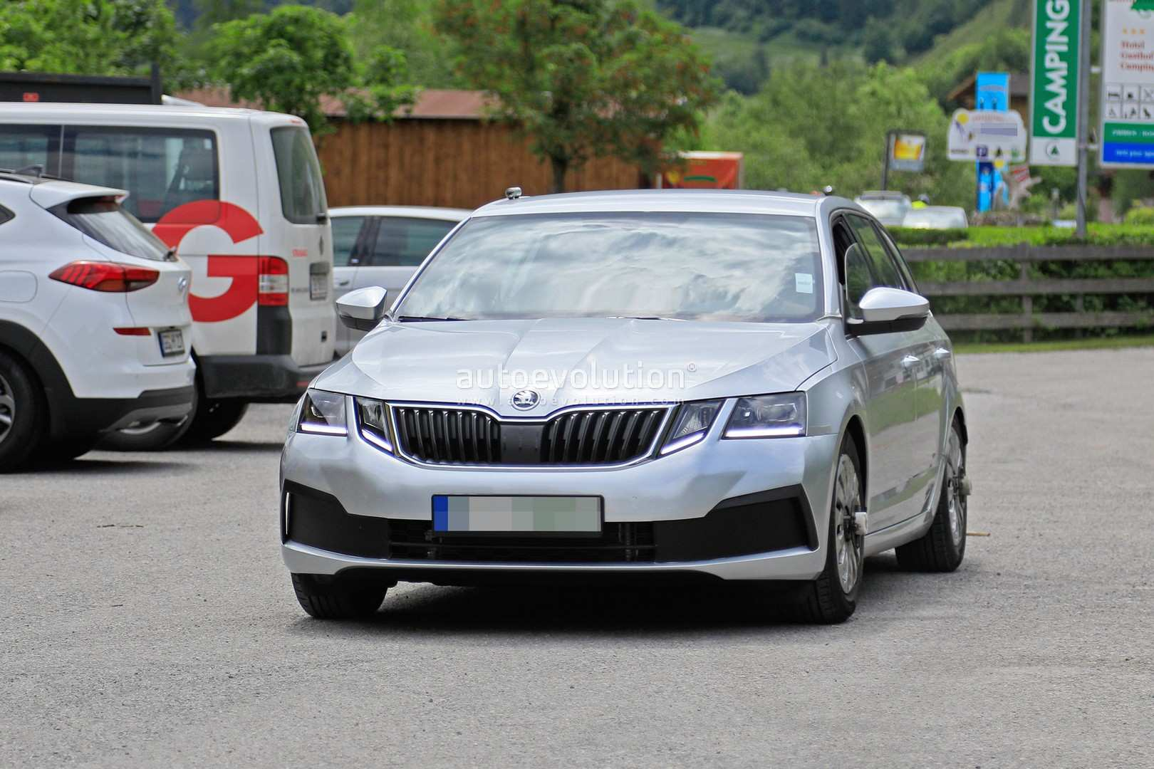 77 The Spy Shots Skoda Superb Release Date And Concept