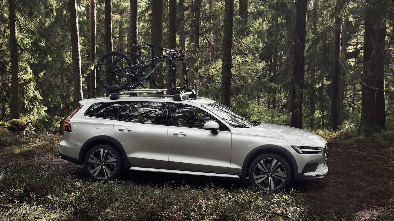 79 The Best 2020 Volvo Xc70 Wagon Images