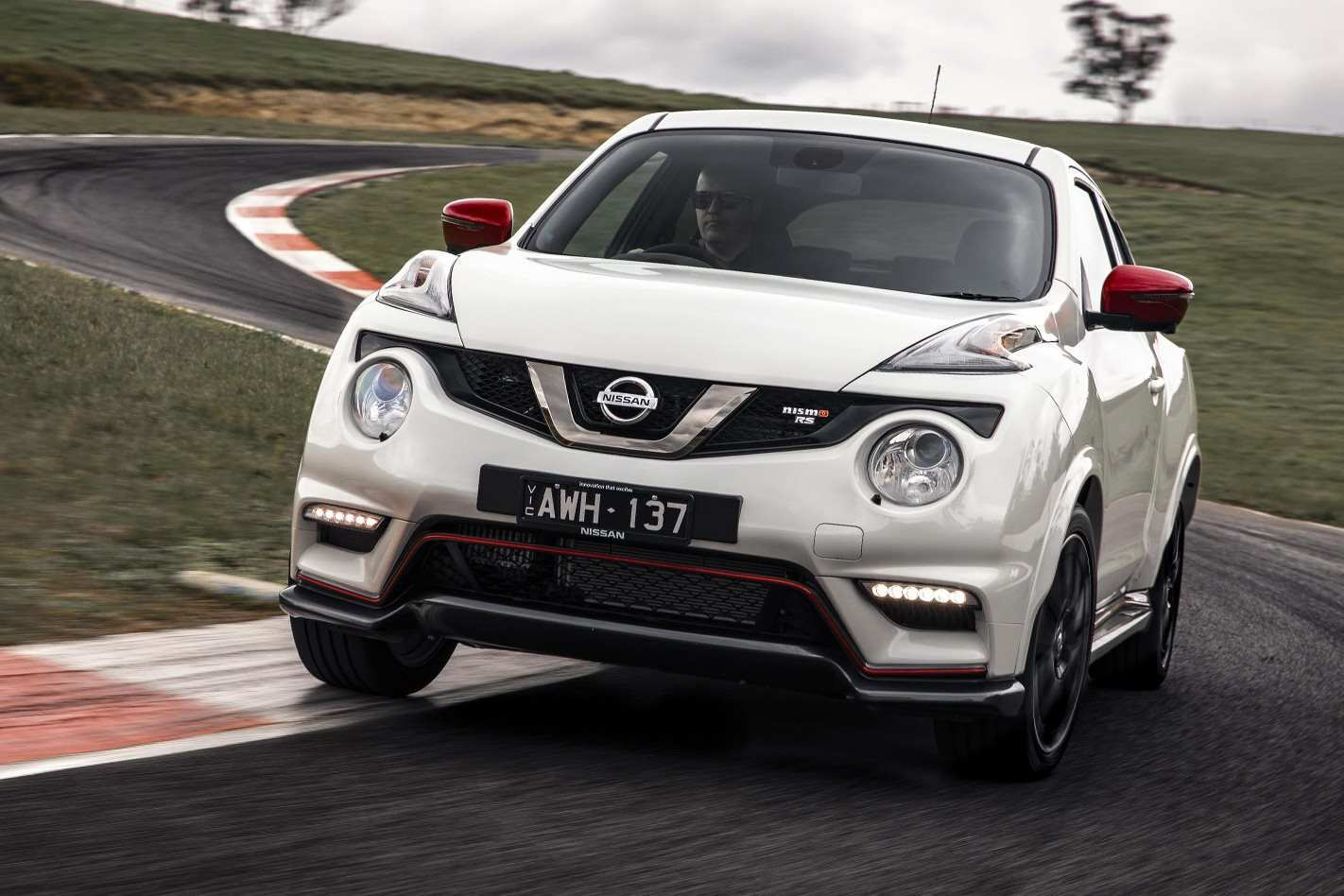 80 A 2019 Nissan Juke Pictures