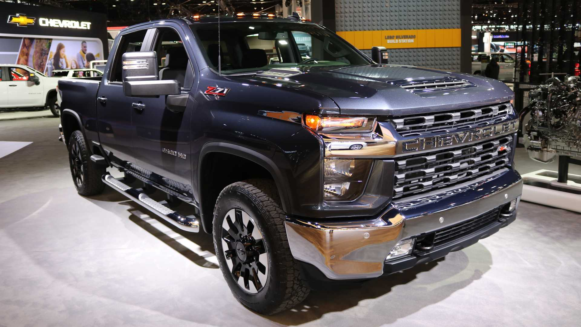 80 A 2020 Chevy Suburban Z71 Pictures