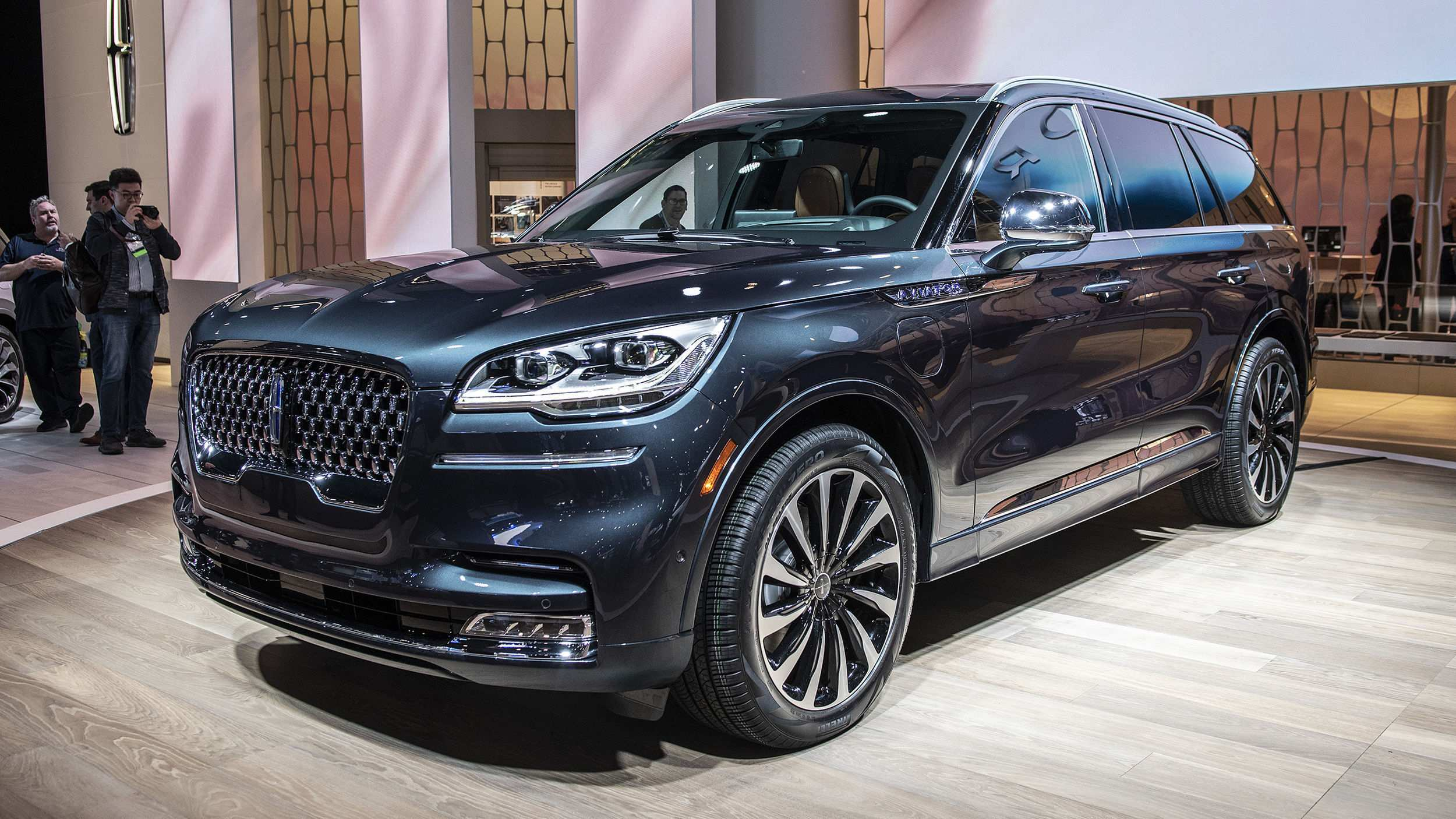 80 A 2020 Lincoln Navigator Overview