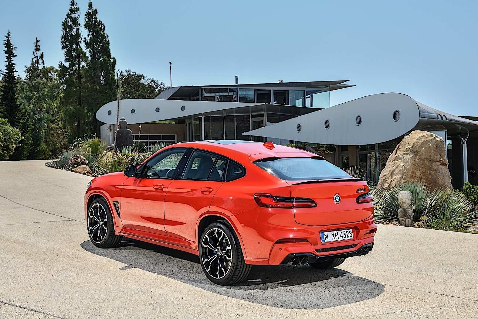 80 The 2020 BMW X4 First Drive