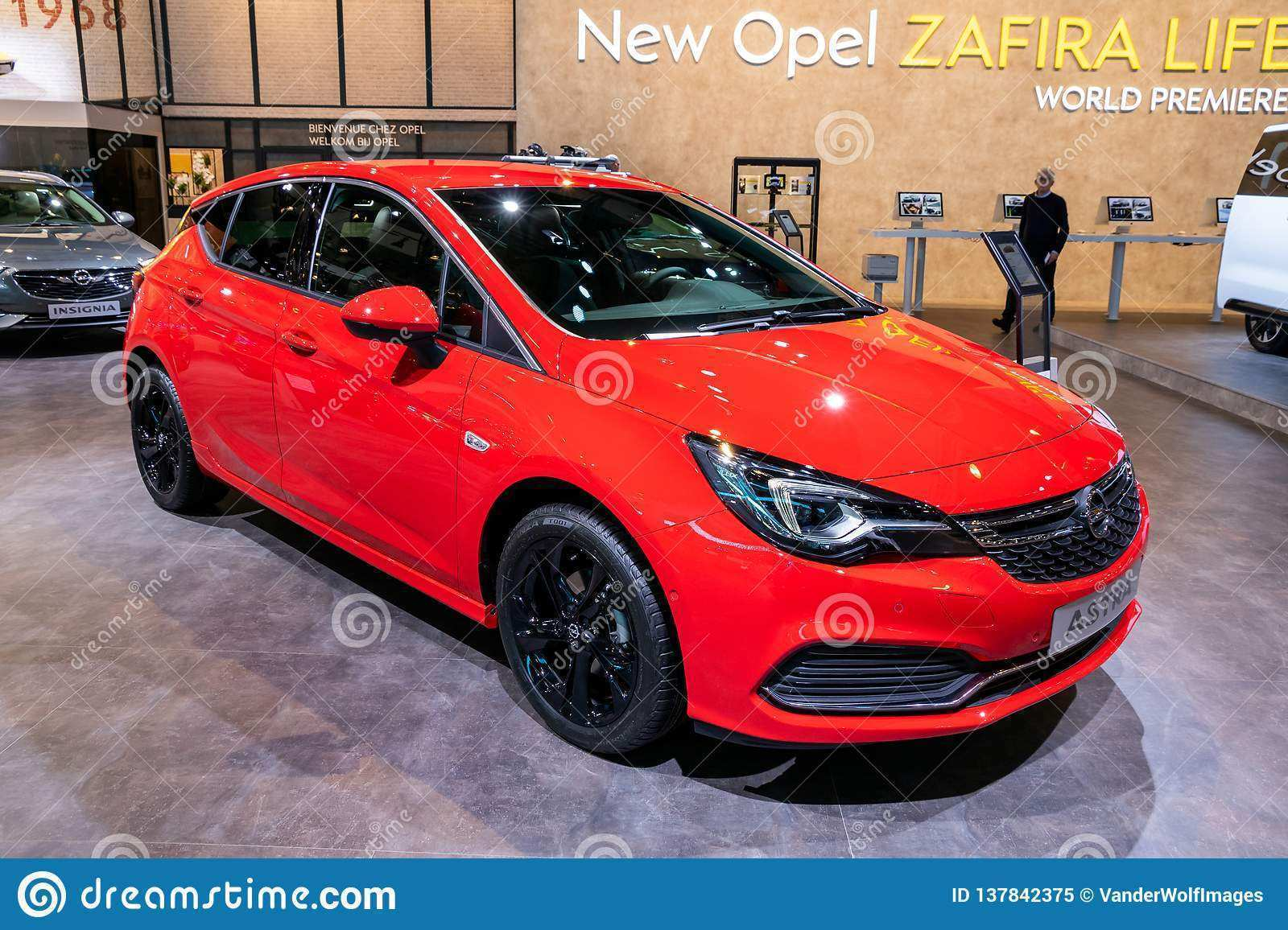 81 A 2019 New Astra Ratings