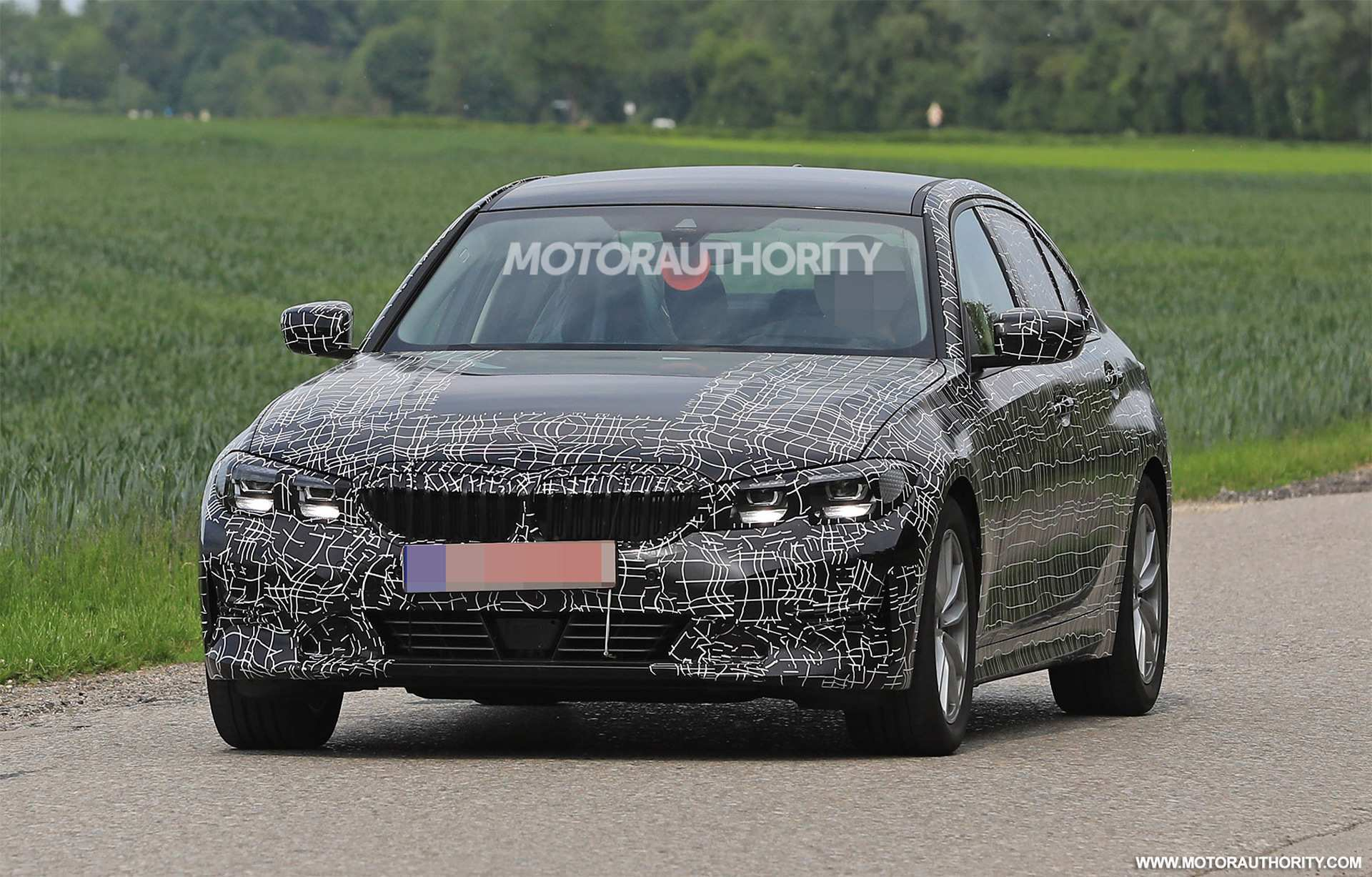 81 New Spy Shots BMW 3 Series Picture