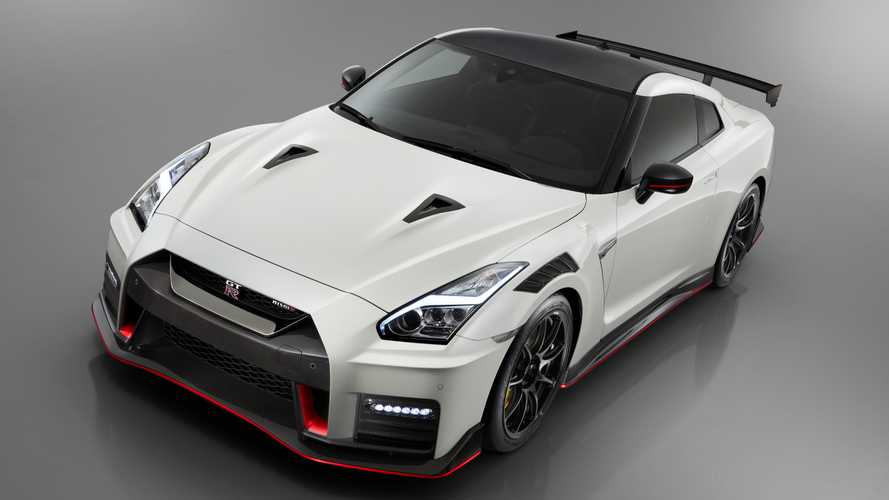 82 A 2019 Nissan GT R Redesign
