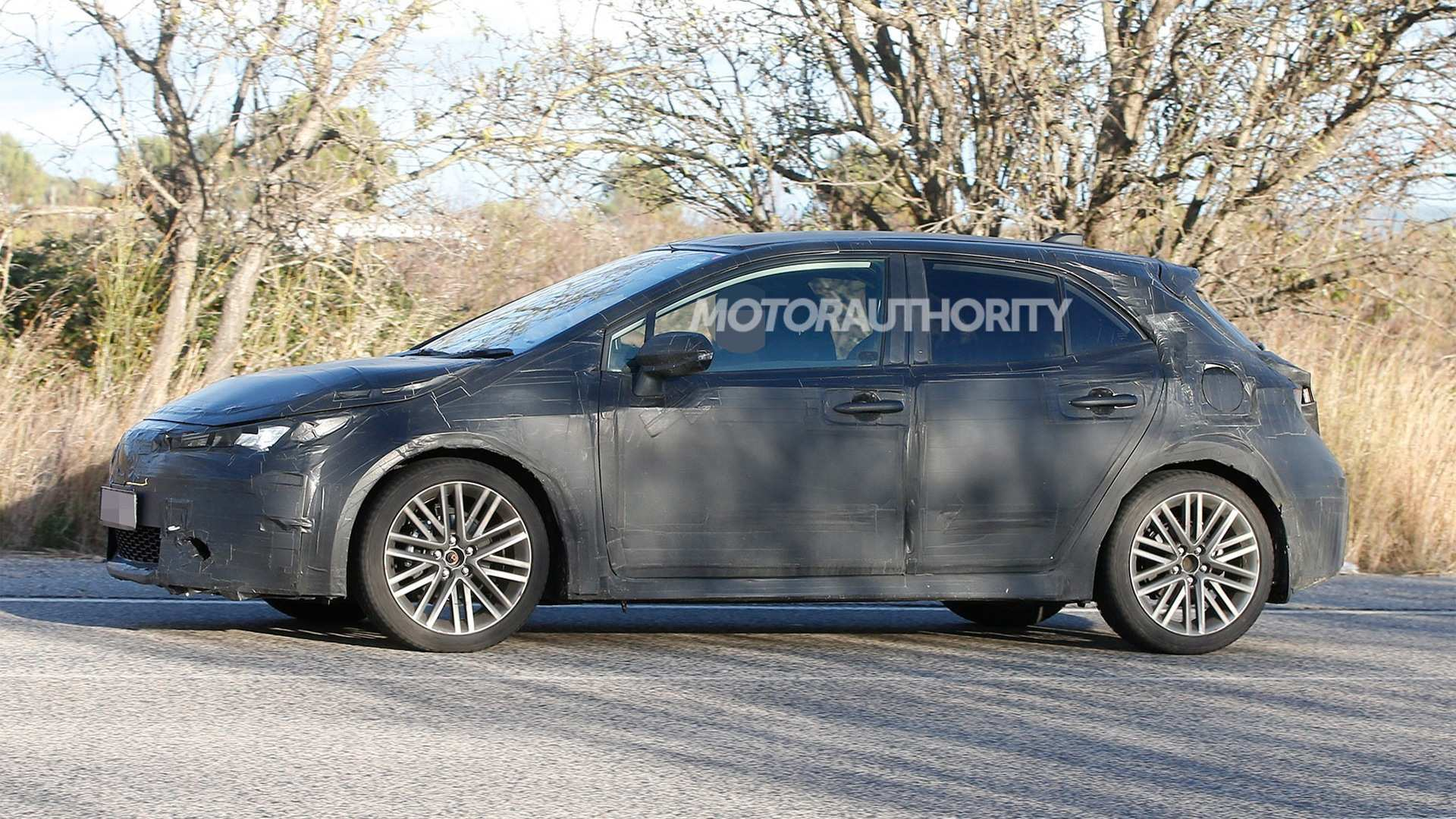 82 Best 2019 New Toyota Avensis Spy Shots Review And Release Date