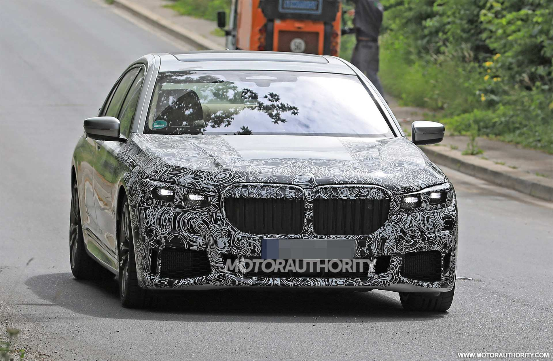 83 A 2020 Spy Shots BMW 3 Series Redesign