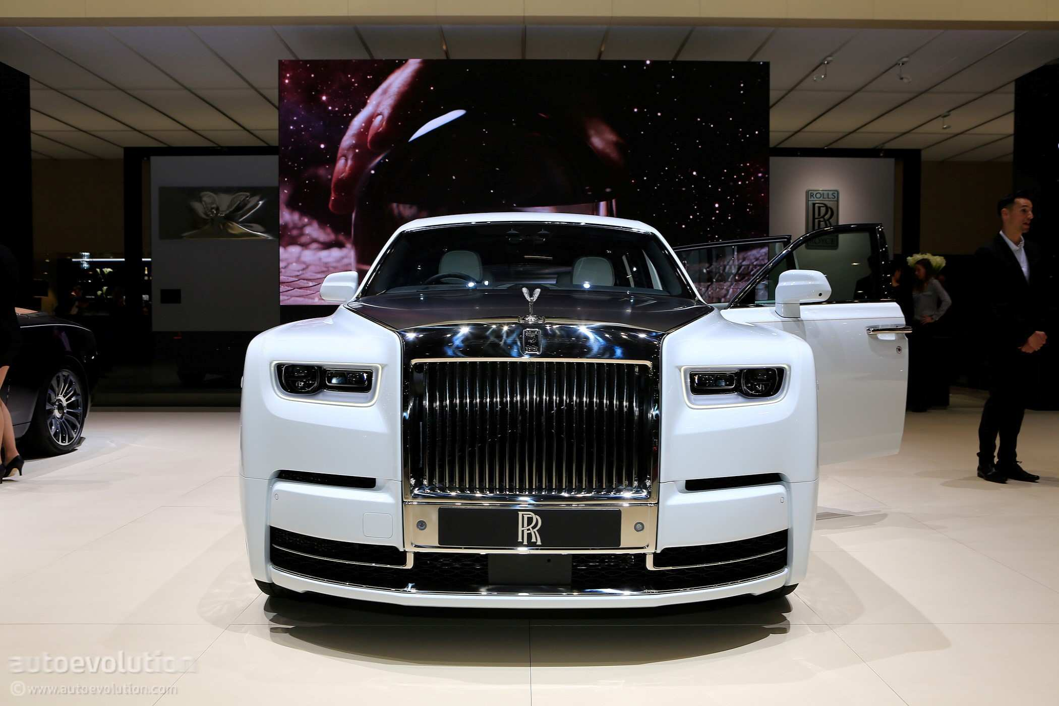 83 The 2019 Rolls Royce Phantoms Spesification