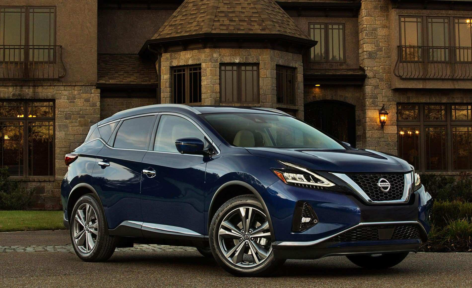 84 A 2019 Nissan Murano Images
