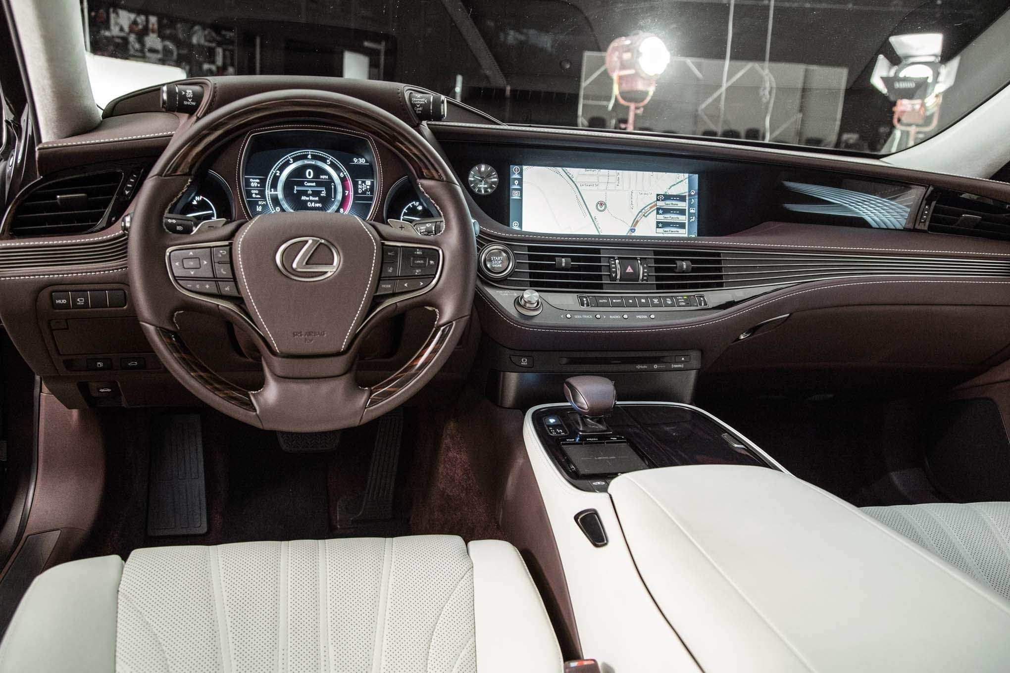 84 The 2019 Lexus LSs Interior