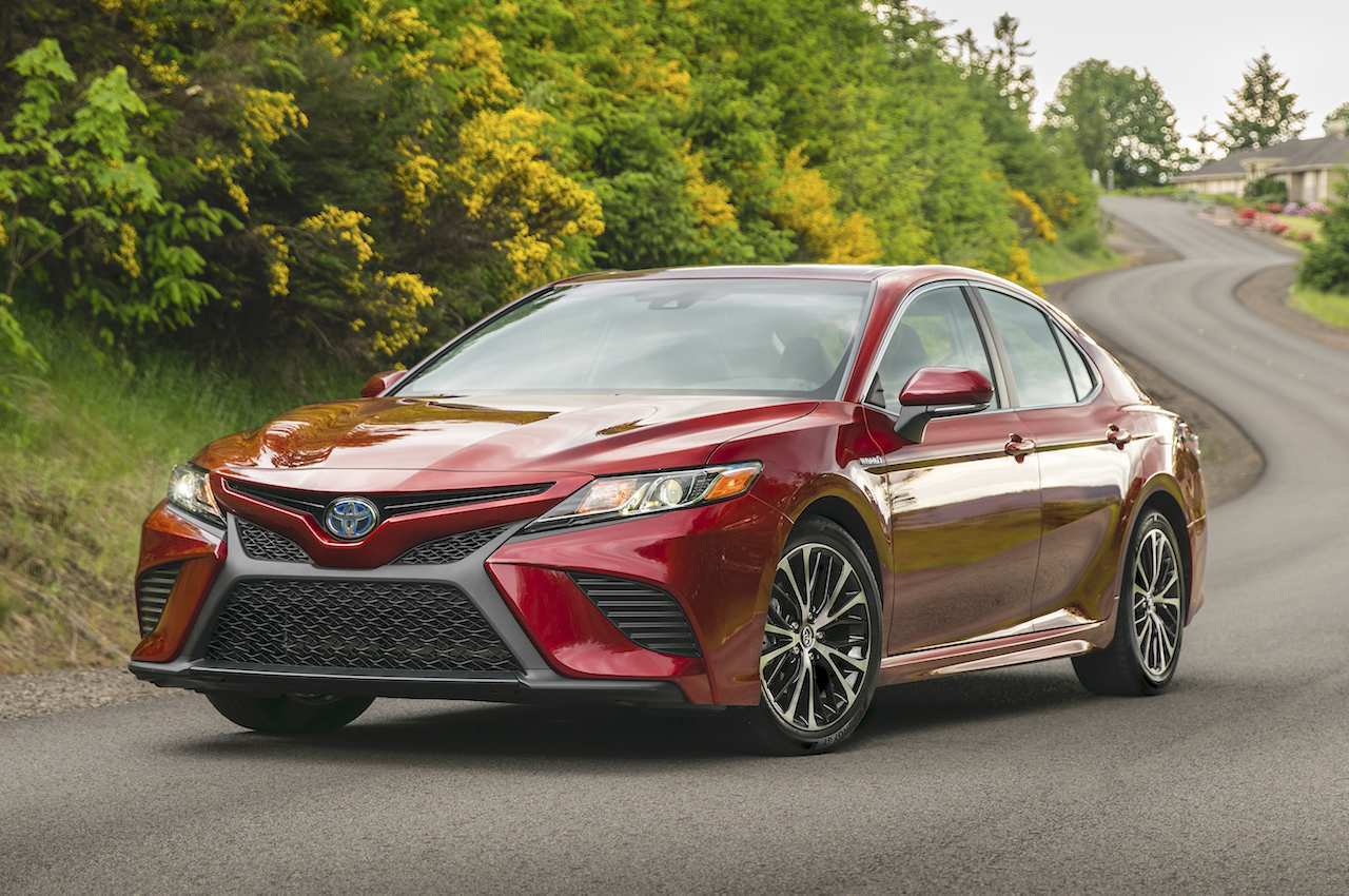 86 A 2019 Toyota Camry Se Hybrid Price Design And Review