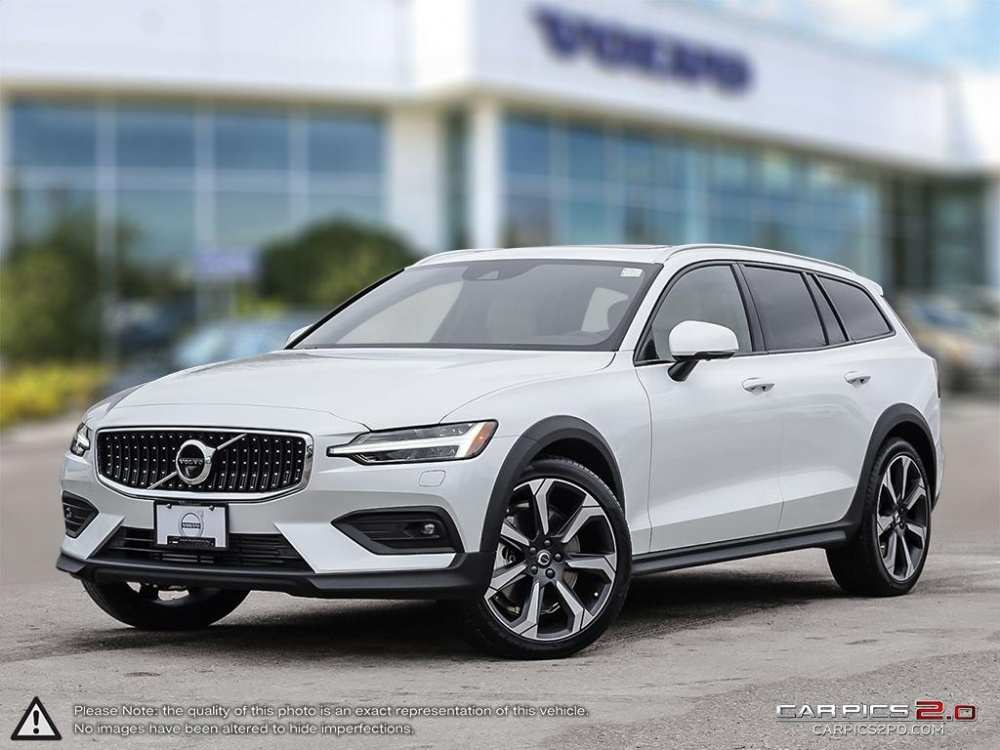 86 A 2019 Volvo V60 Cross Country Images