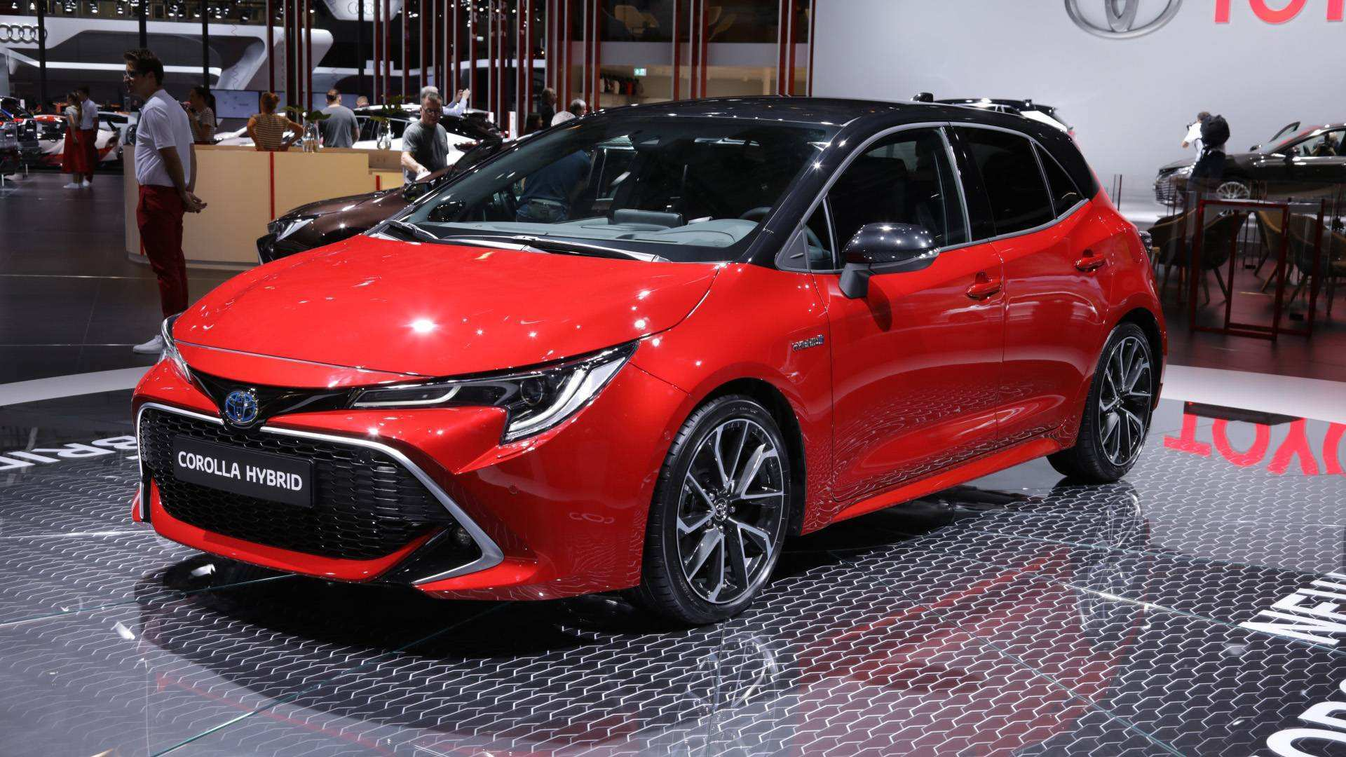 86 The 2019 Toyota Avensis Spy Shoot