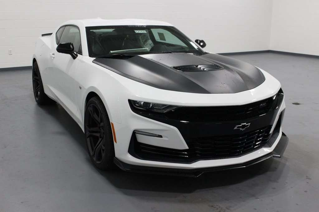 87 A 2019 Chevrolet Camaro Images