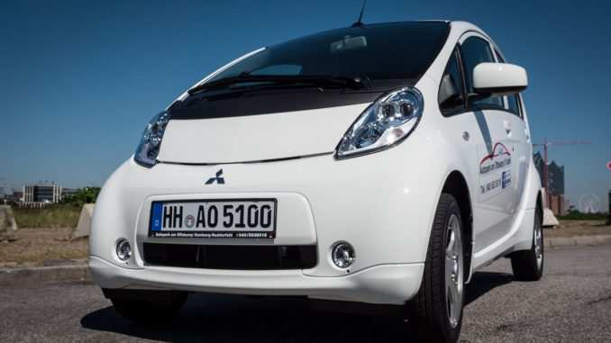 87 A 2019 Mitsubishi I MIEV Speed Test
