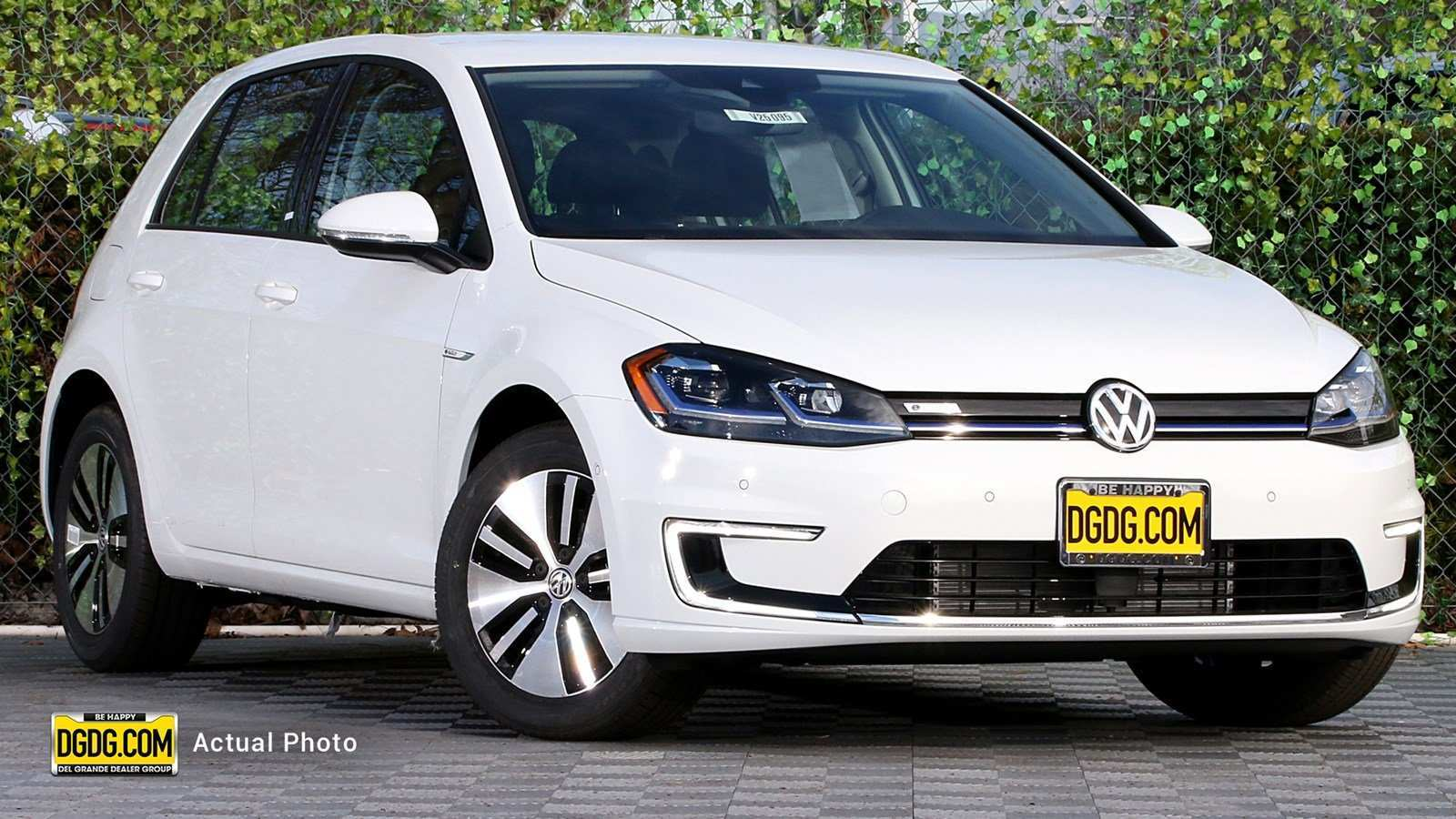 88 A 2019 Vw E Golf Picture