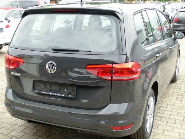 88 All New 2019 VW Touran Performance