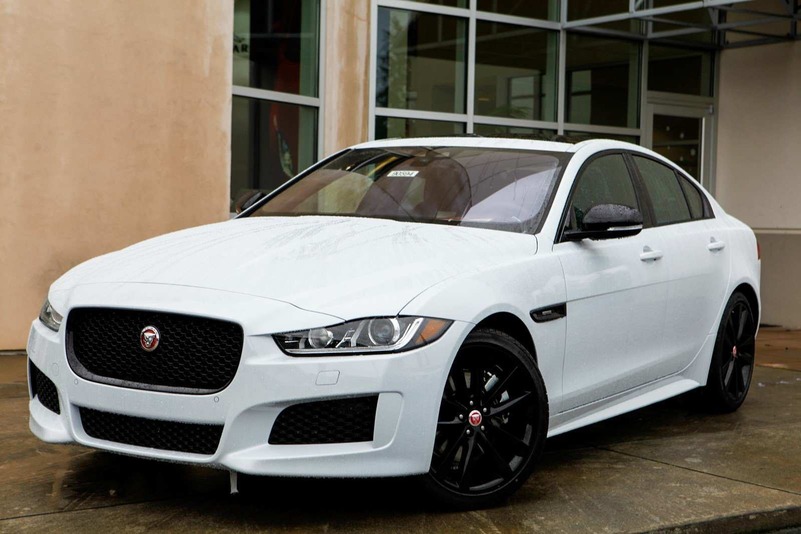 88 The 2019 Jaguar Xe Landmark Engine
