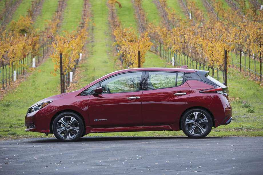 89 A 2019 Nissan Leaf Range Photos