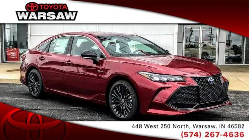 89 A 2019 Toyota Avalon Hybrid Spy Shoot