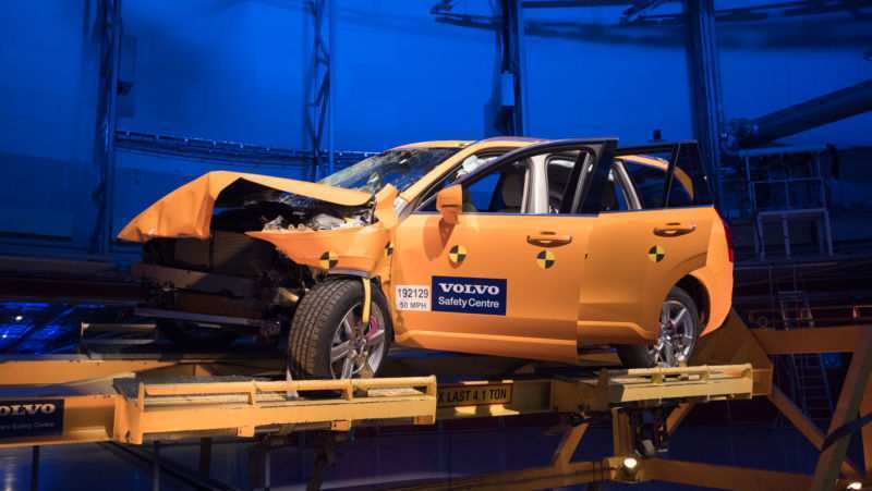 89 A Volvo S Safety Goal No Deaths By 2020 Concept And Review