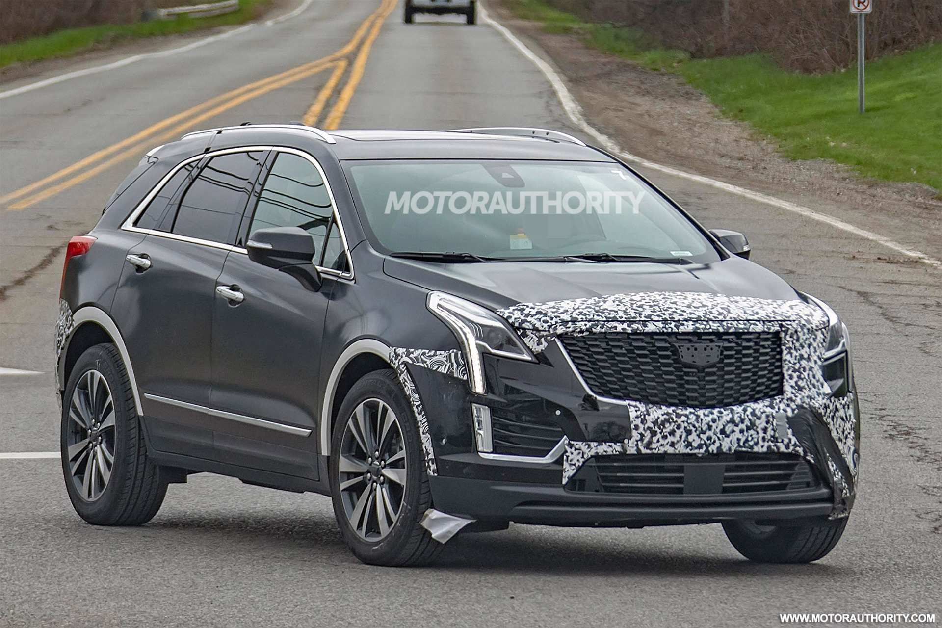 90 A 2019 Spy Shots Cadillac Xt5 Pictures