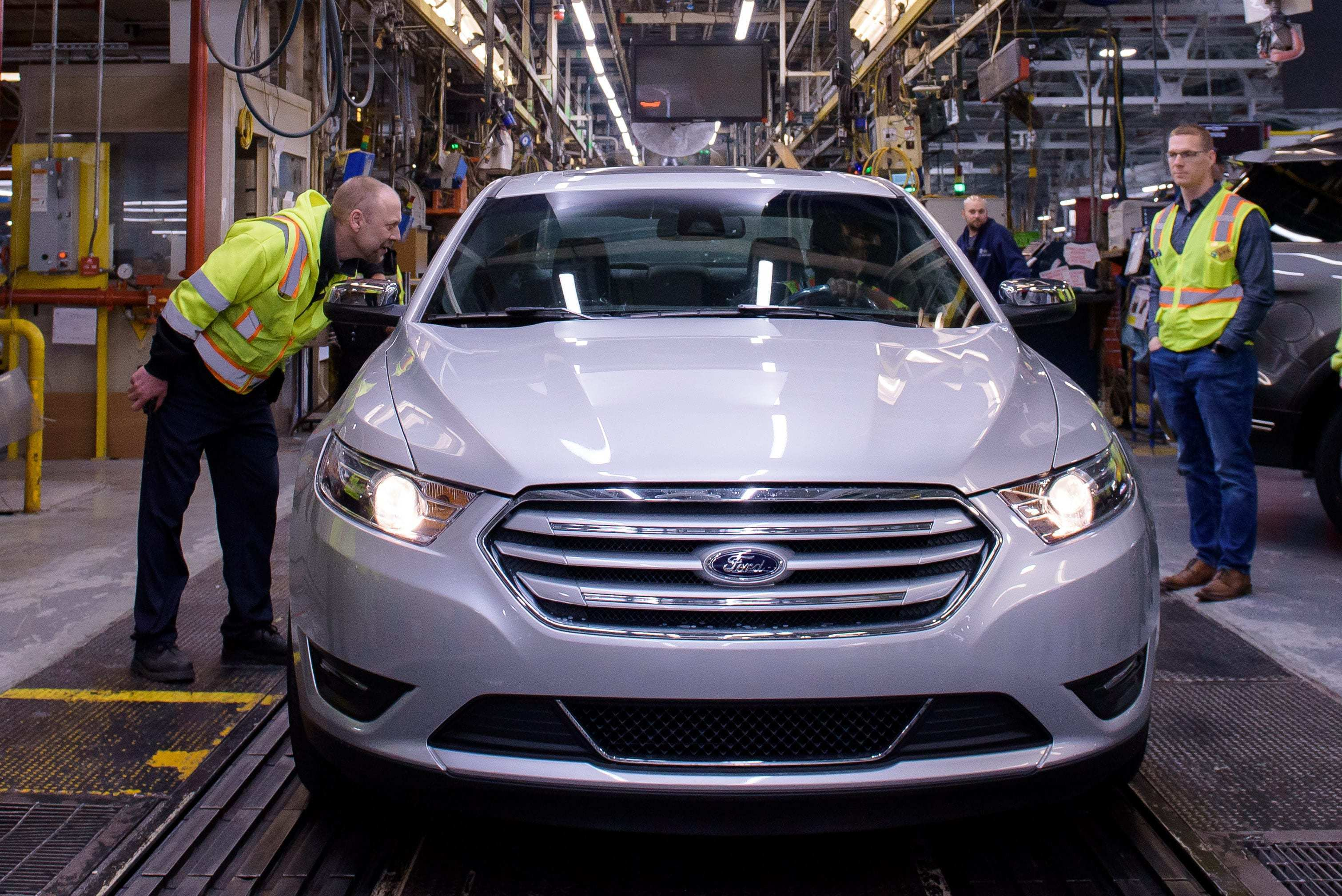 90 A 2020 Ford Taurus Sho First Drive