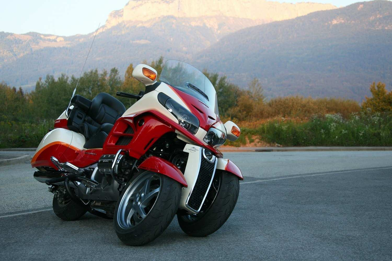 90 A 2020 Honda Gold Wing Engine