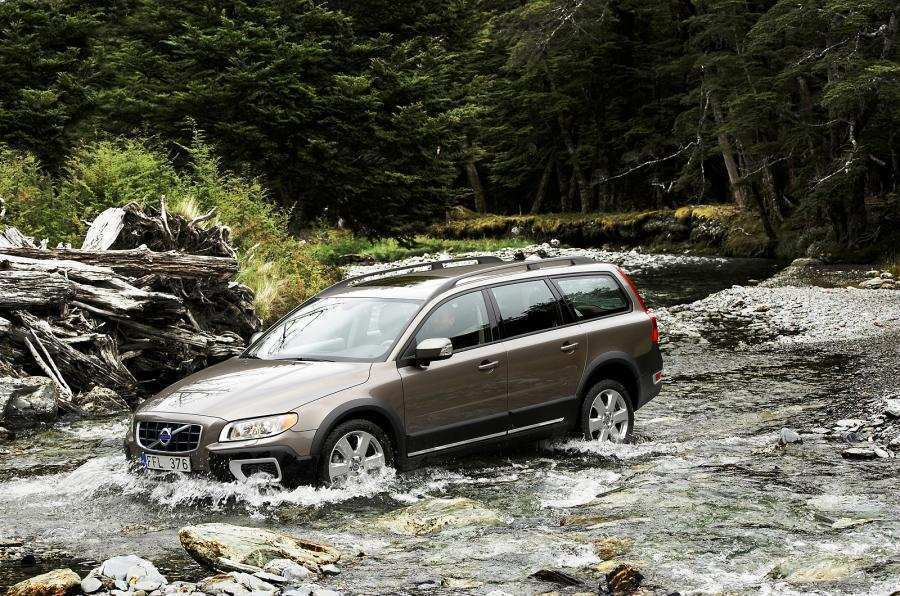 90 All New 2019 All Volvo Xc70 Concept