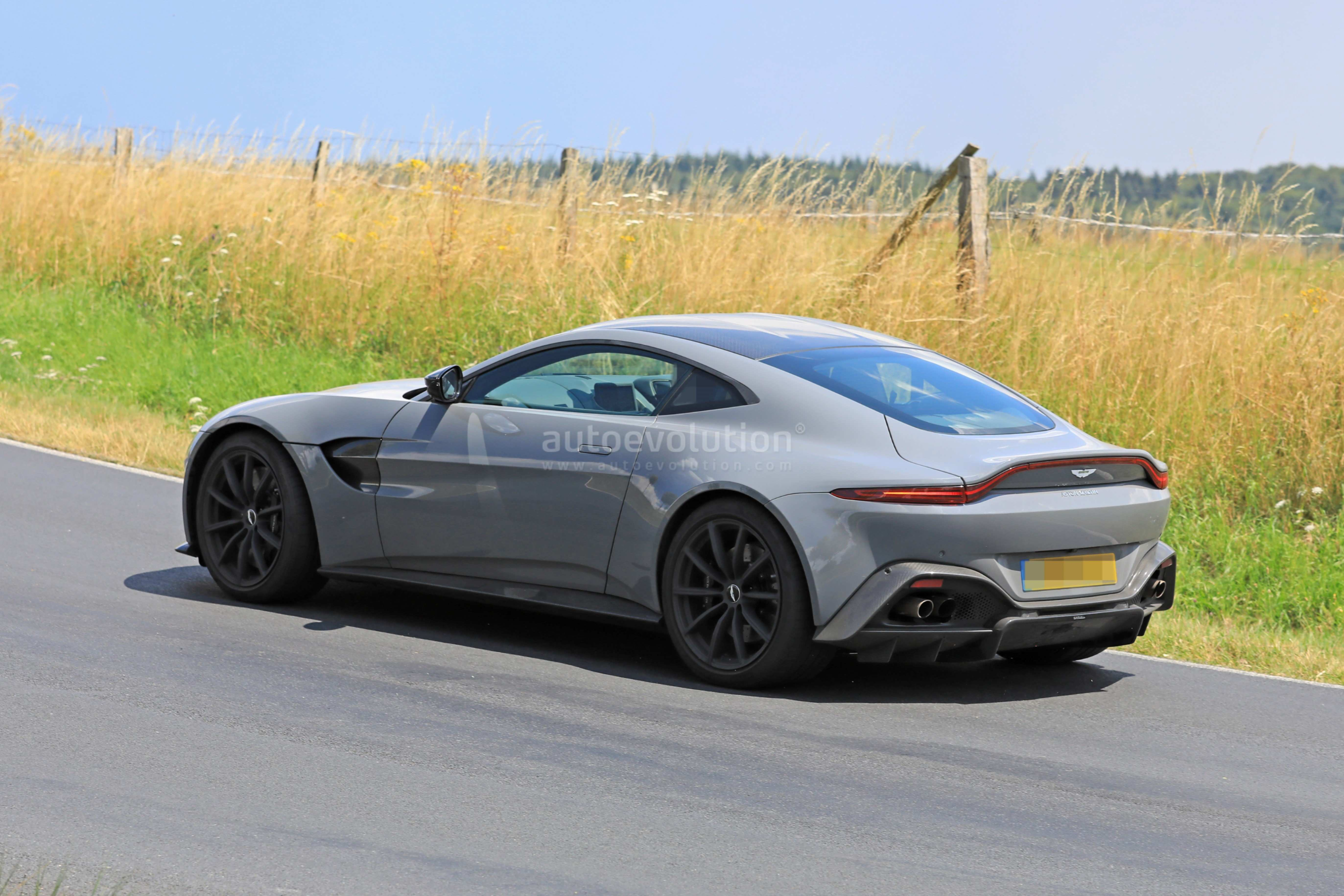 90 The 2020 Aston Martin Vanquish Specs And Review