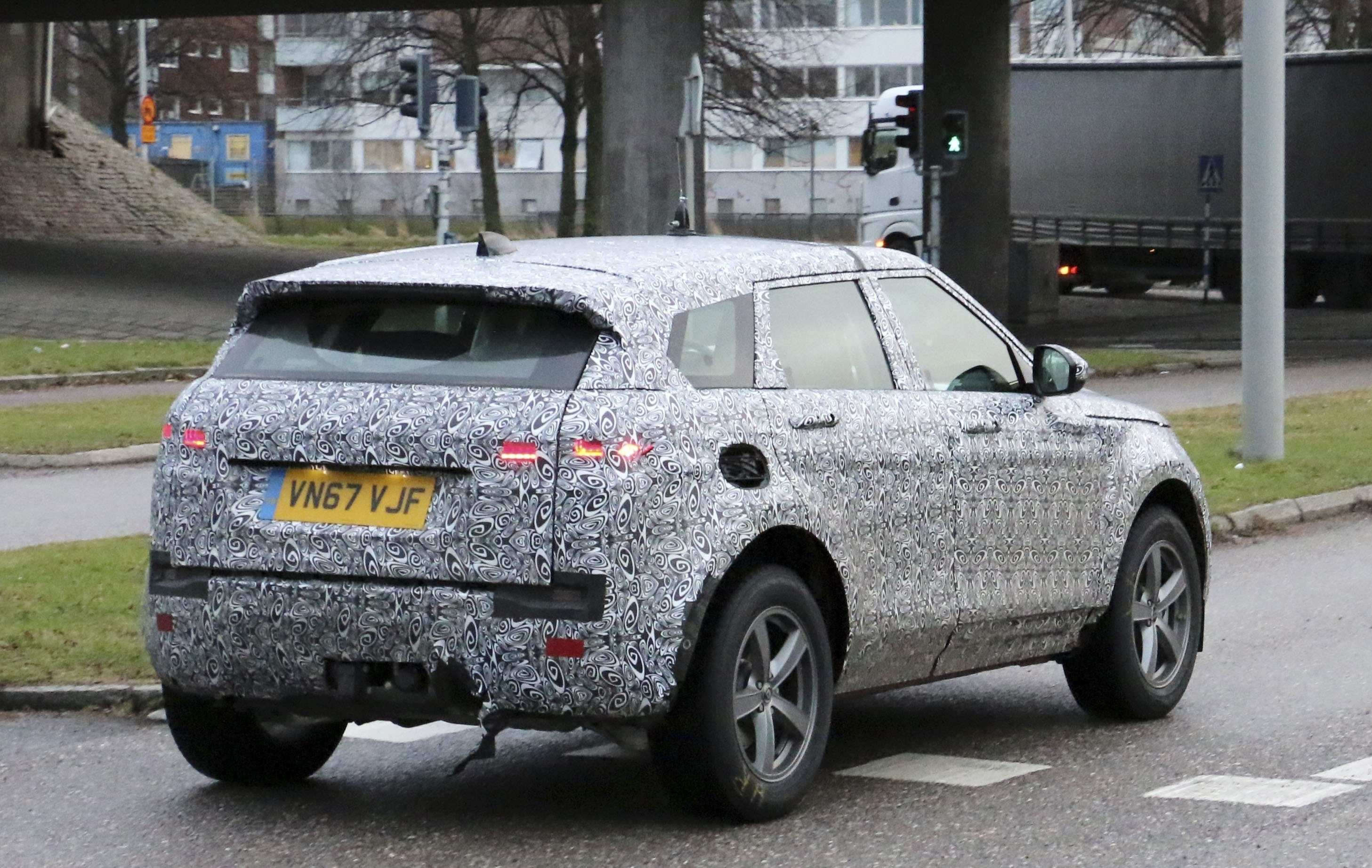 91 New 2020 Land Rover Lr2 Picture