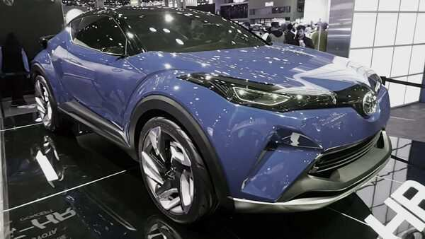 92 A Toyota Chr 2020 Images