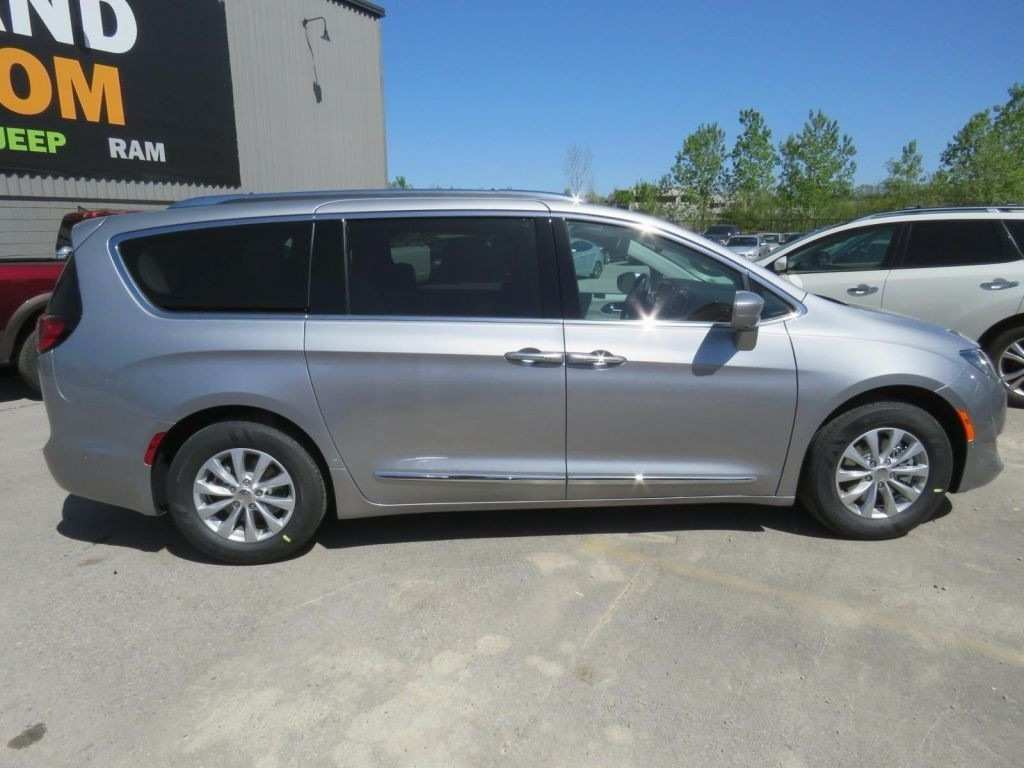 92 All New 2020 Chrysler Town Country Release Date