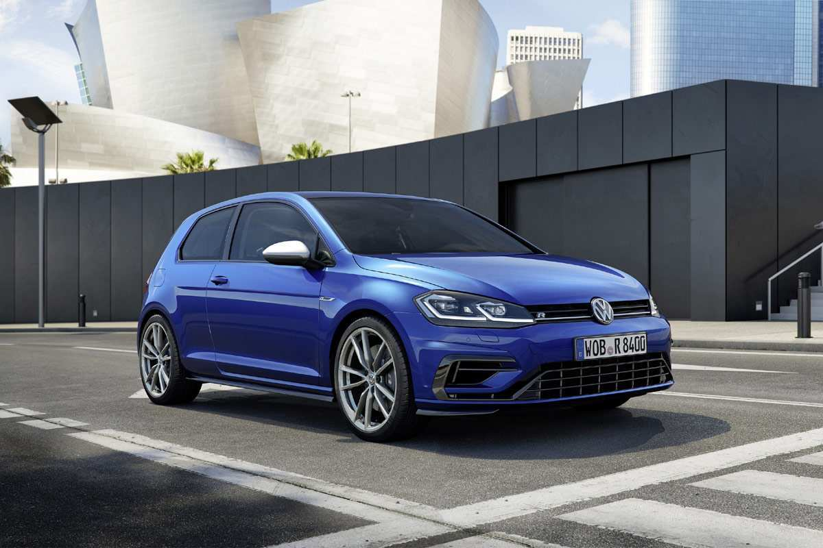 93 A 2020 Volkswagen Golf R Spy Shoot