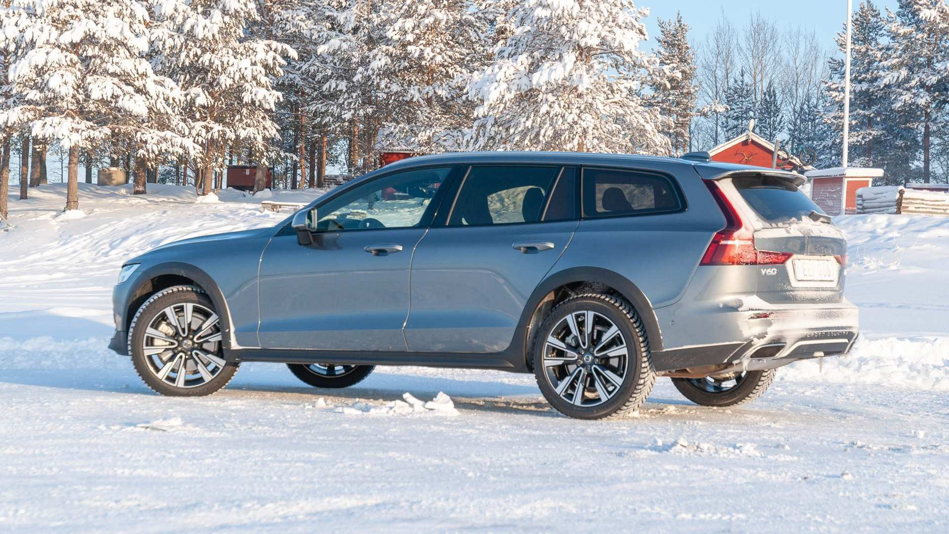 93 A 2020 Volvo V60 Cross Country Picture