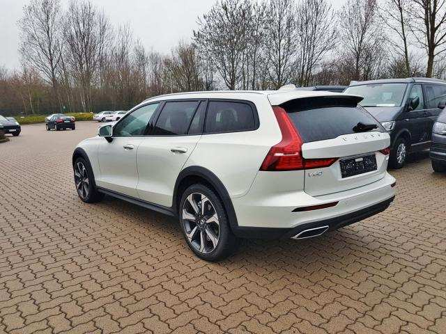 95 All New 2020 Volvo V60 Cross Country Concept