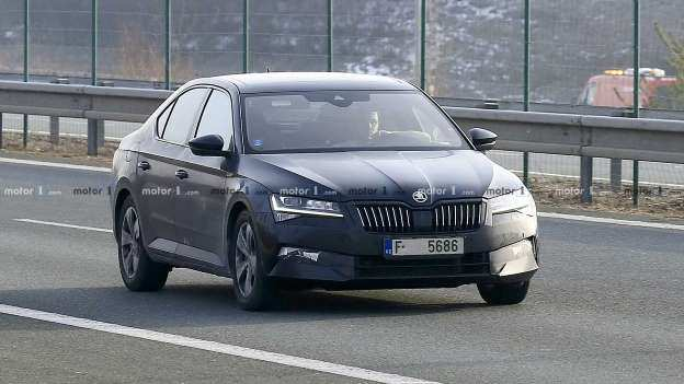 95 All New Spy Shots Skoda Superb Pictures