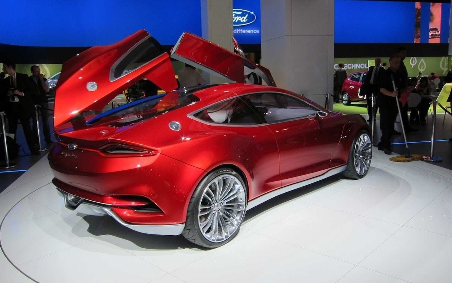 96 The 2019 Ford Thunderbird Concept