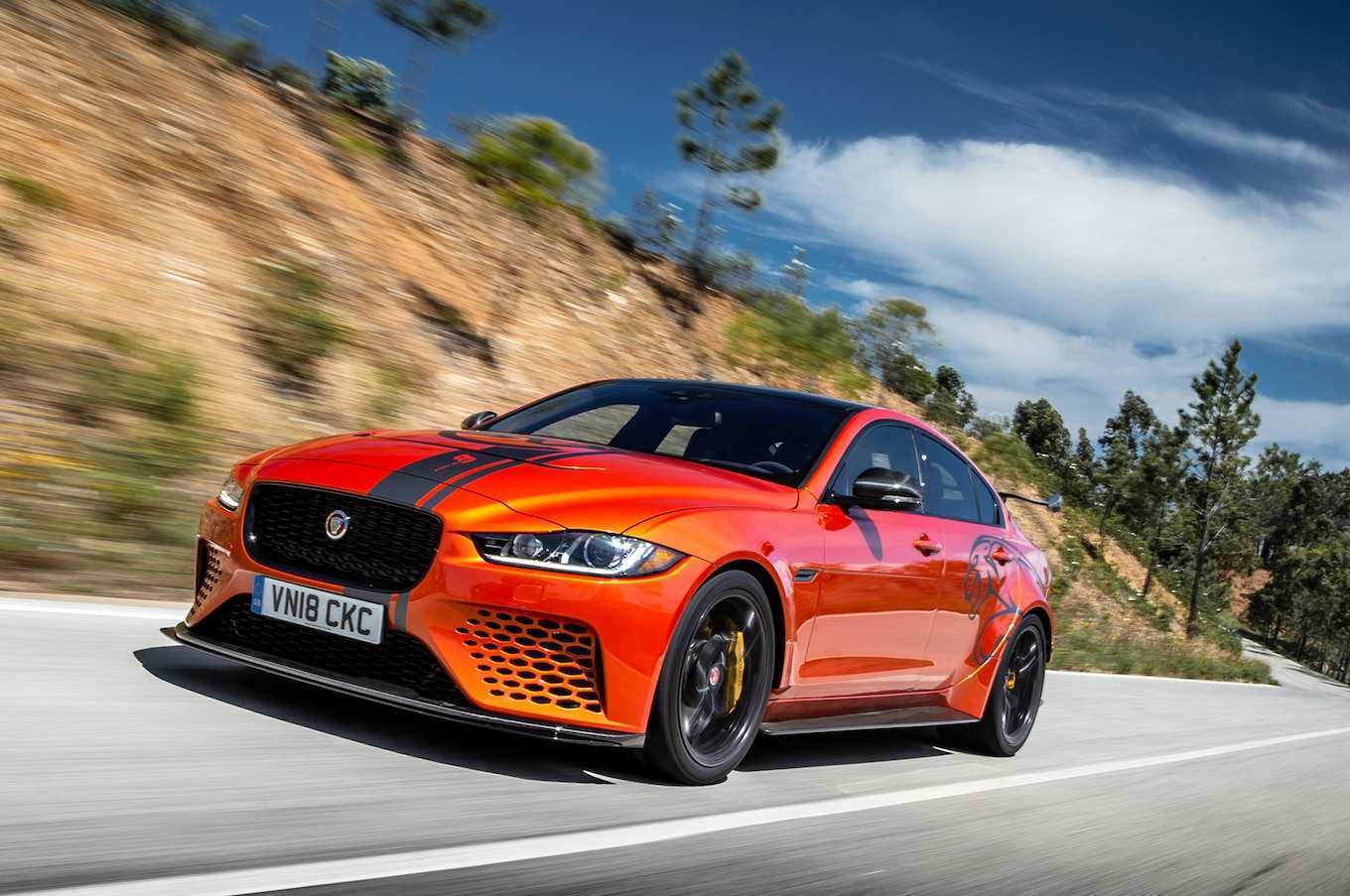 97 A 2019 Jaguar Xe Sedan Redesign and Concept