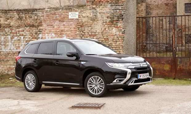 97 The Mitsubishi Outlander Plug In Hybrid 2020 Redesign And Review