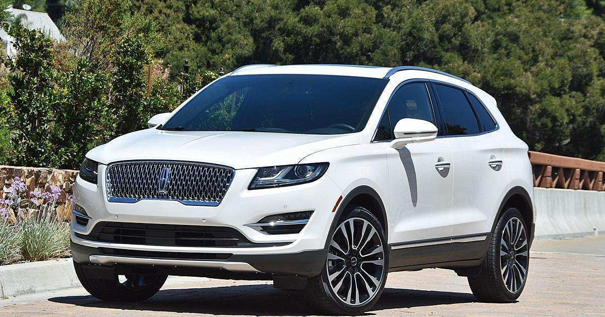 98 A 2019 Lincoln MKC Pictures