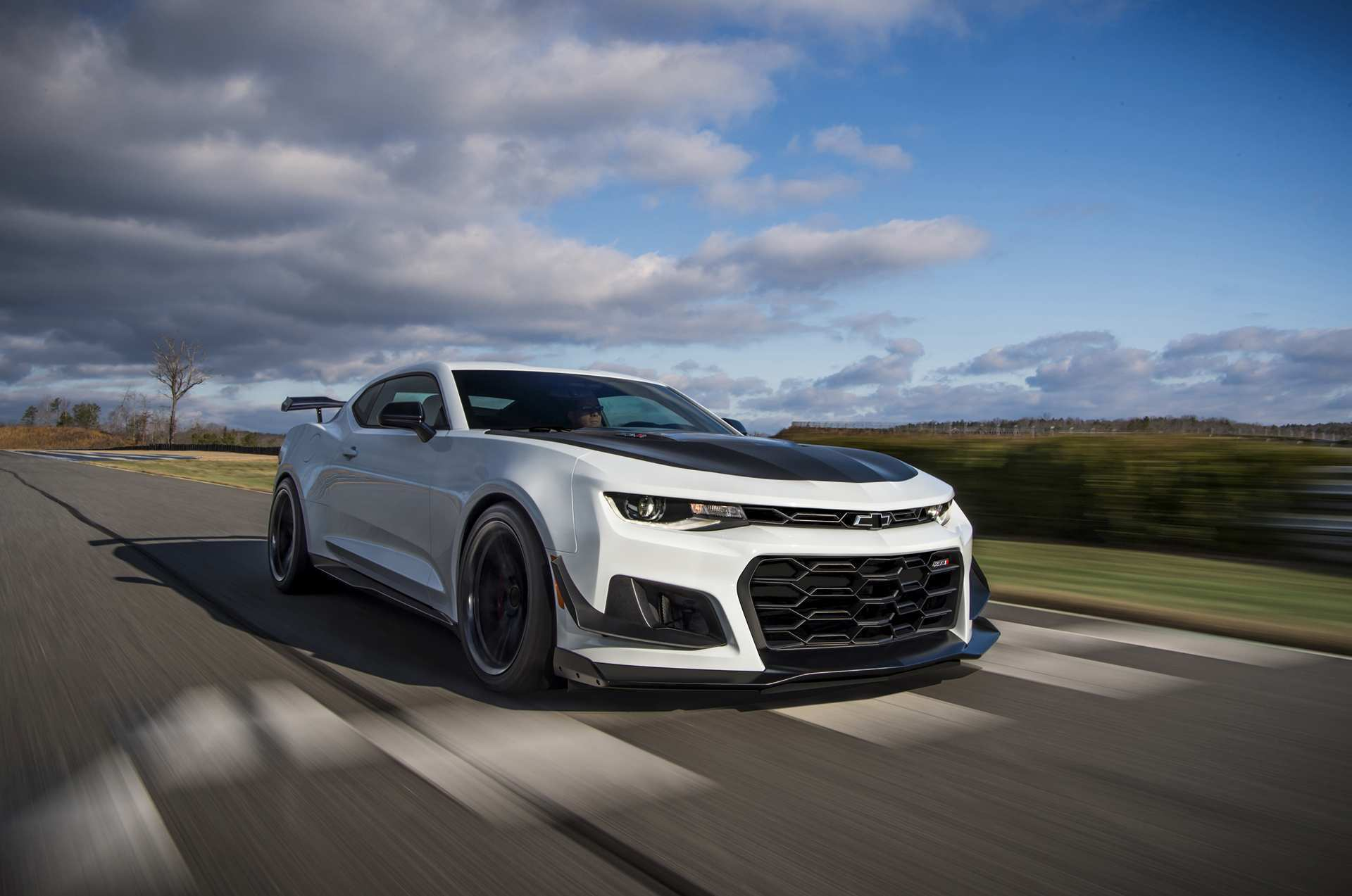 98 A 2020 The Camaro Ss Configurations