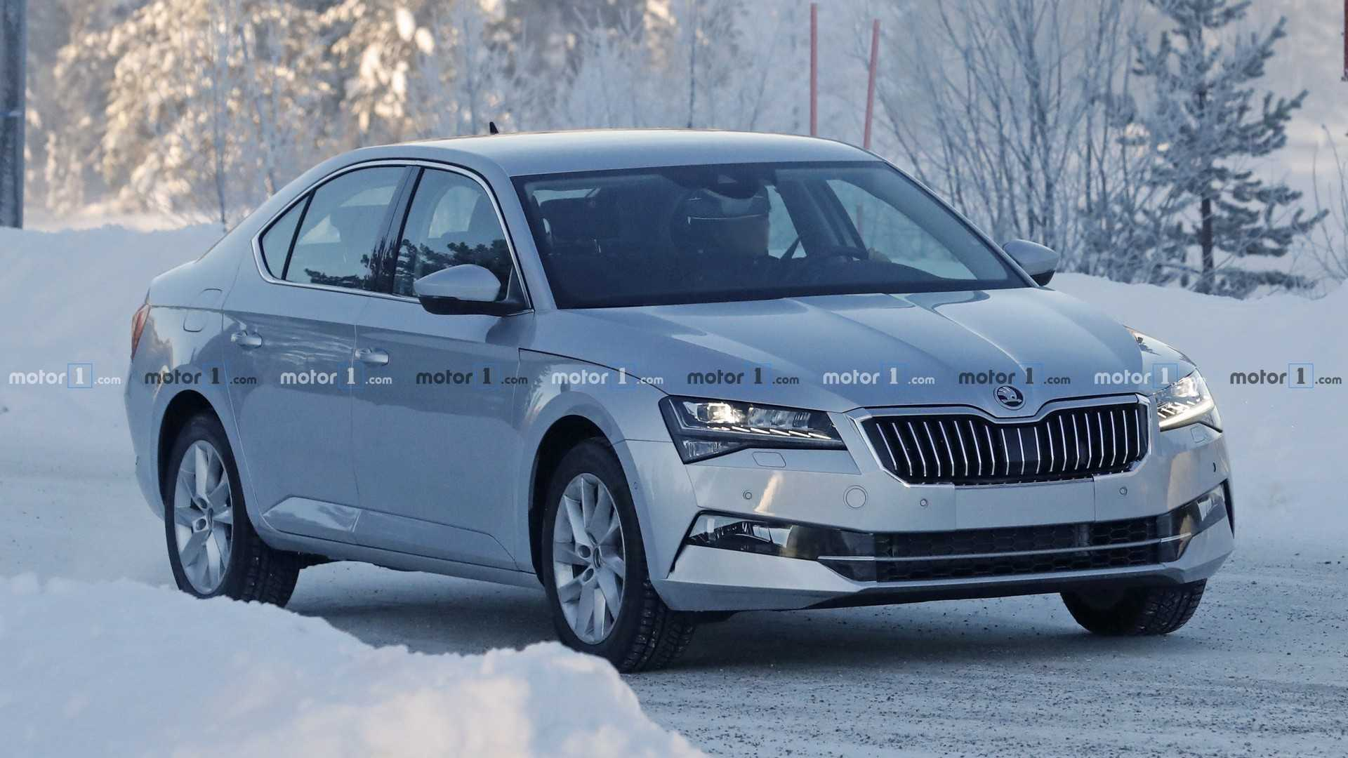 98 A Spy Shots Skoda Superb Engine