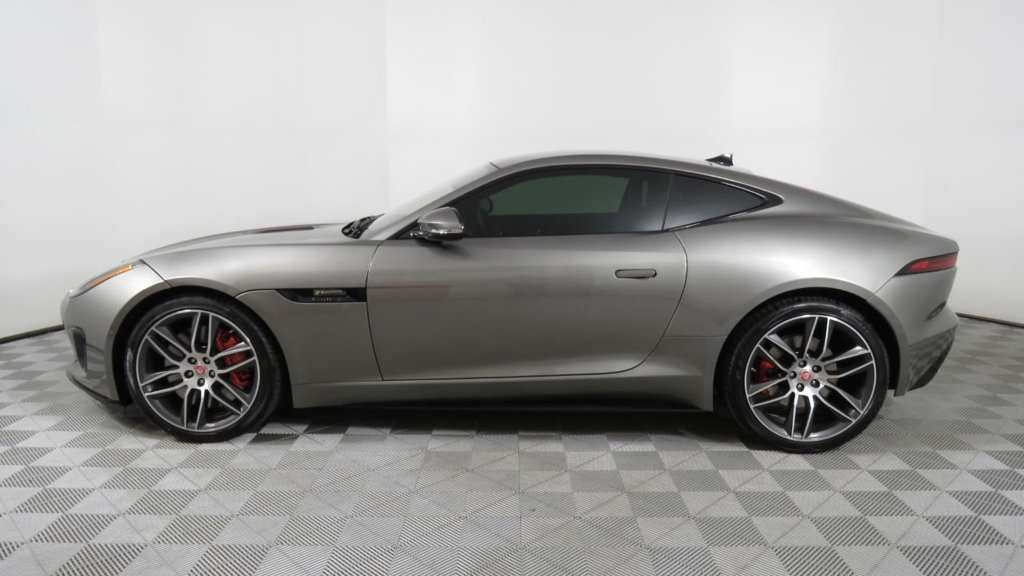 99 A 2019 Jaguar F Type Engine