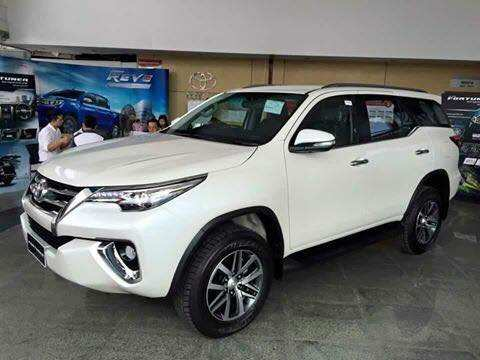 99 A 2019 Toyota Fortuner Style