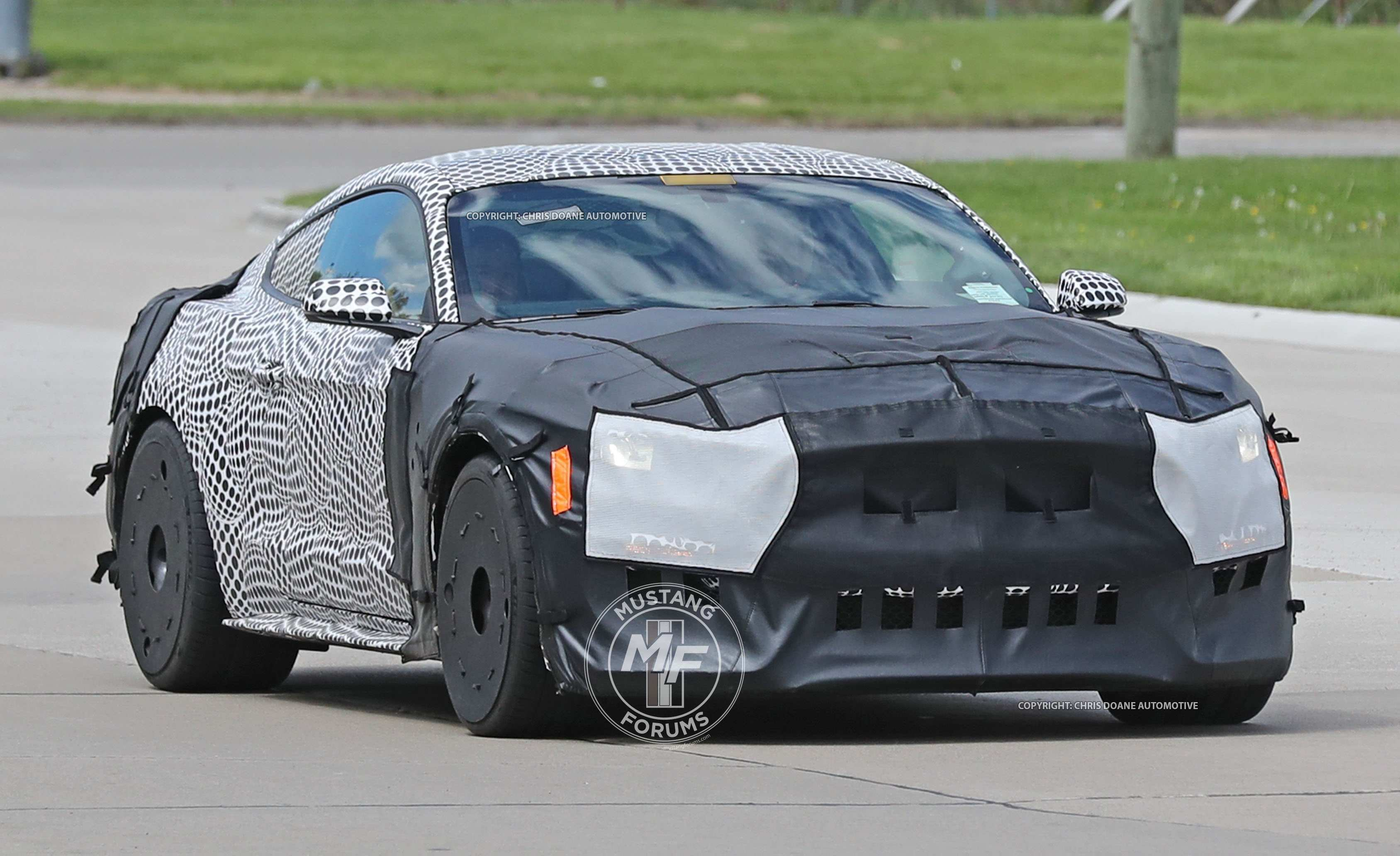 99 A Spy Shots Ford Mustang Svt Gt 500 Interior