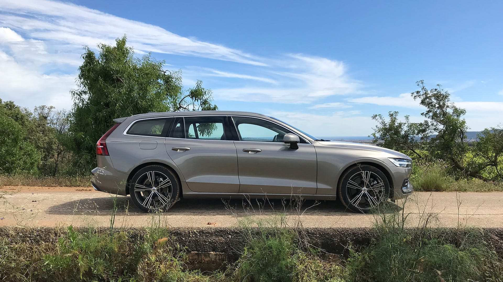 99 The Best 2019 Volvo Station Wagon First Drive